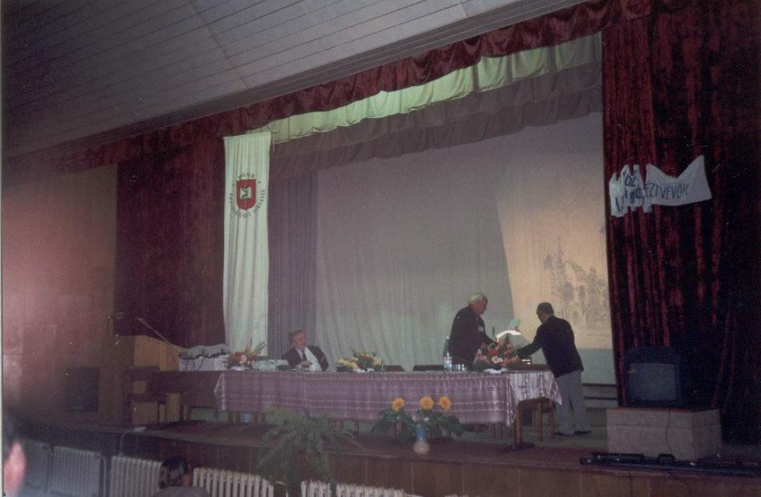 2000-09-15-munkacs-08