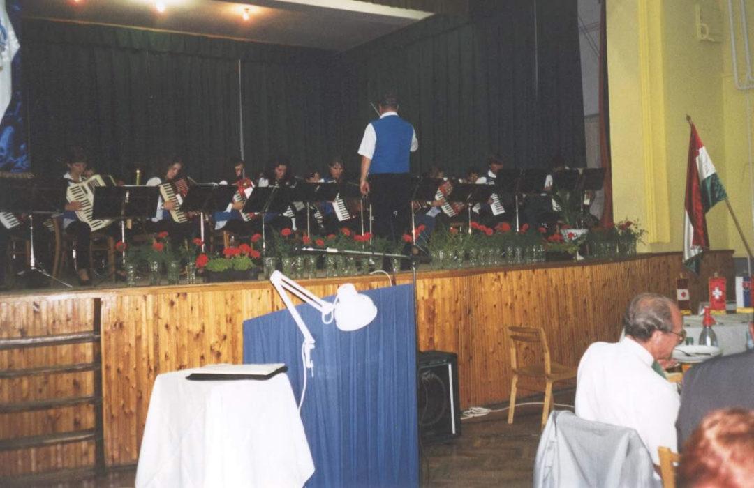 2001-06-15-felsoszentivan-1
