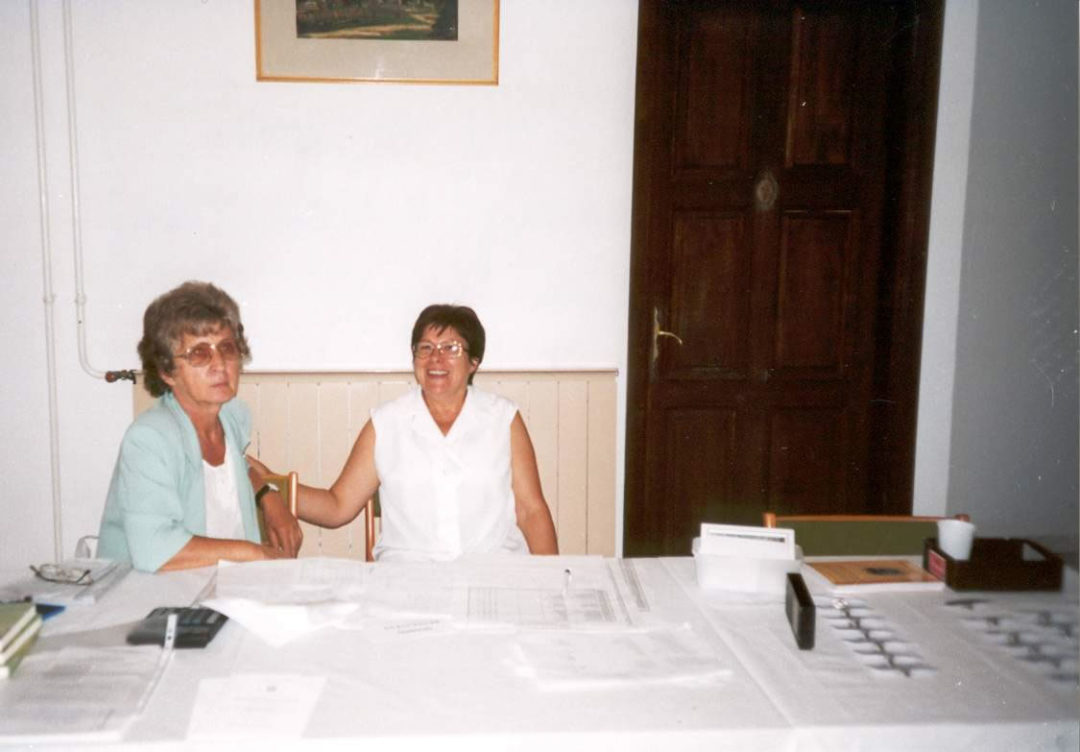 2001-08-24-mosdos-02