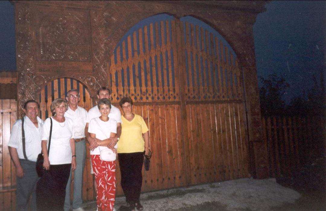 2001-08-24-mosdos-03