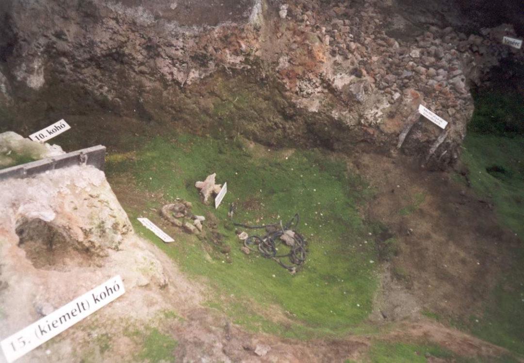 2001-08-24-mosdos-06