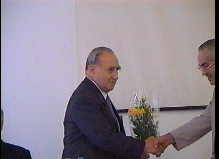 2001-08-24-mosdos-12