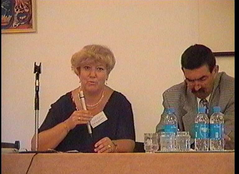2001-08-24-mosdos-17