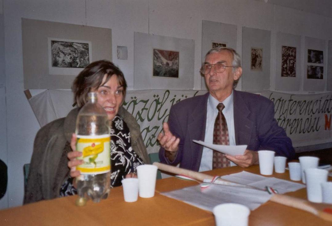2002-10-22-kassa-revkomarom-06