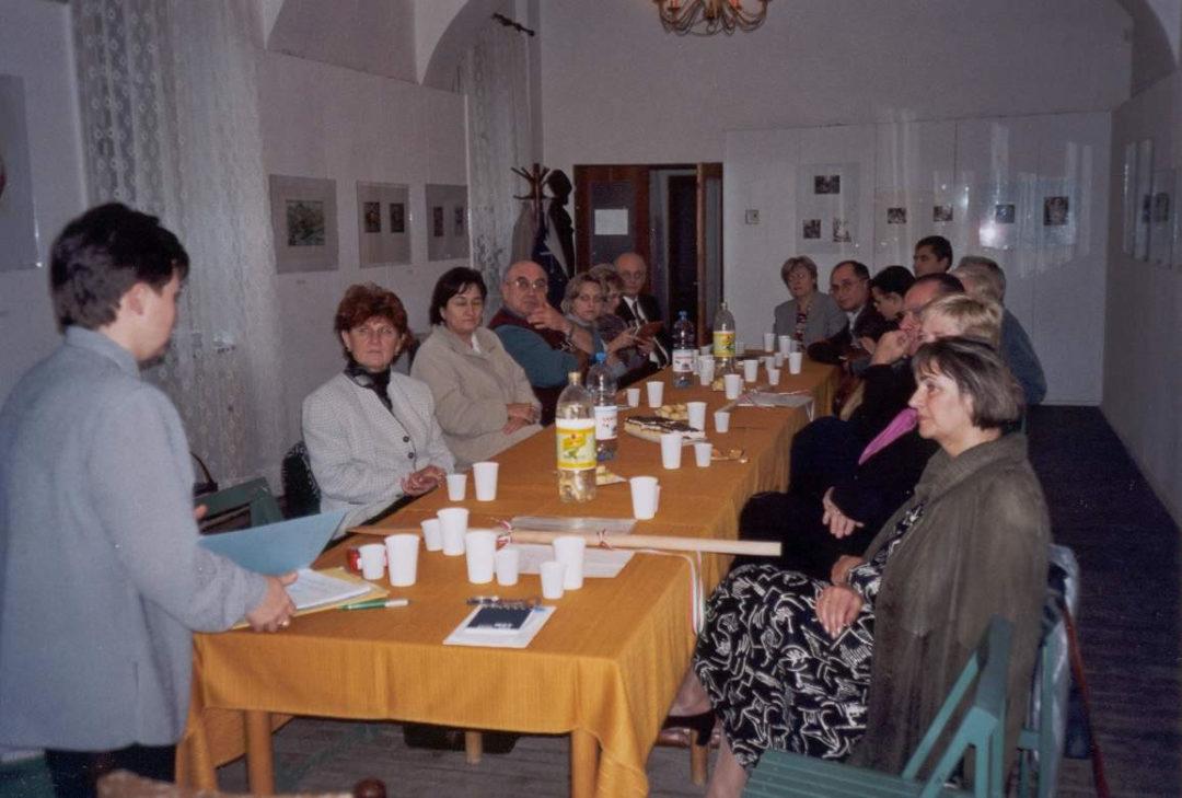 2002-10-22-kassa-revkomarom-10